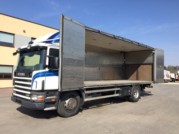 Scania P94 230 4x2+SIDE OPENING+BOX HEATING