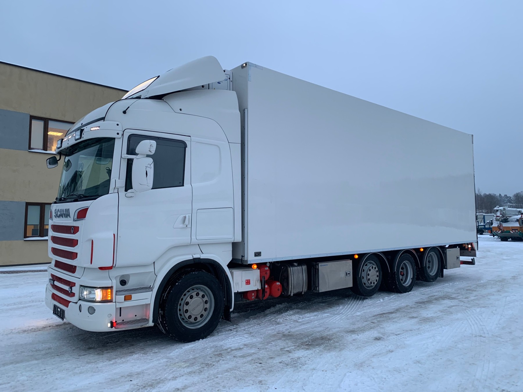 Scania R500 8x2 MANUAL+RETARDER+DOUBLE STOCK