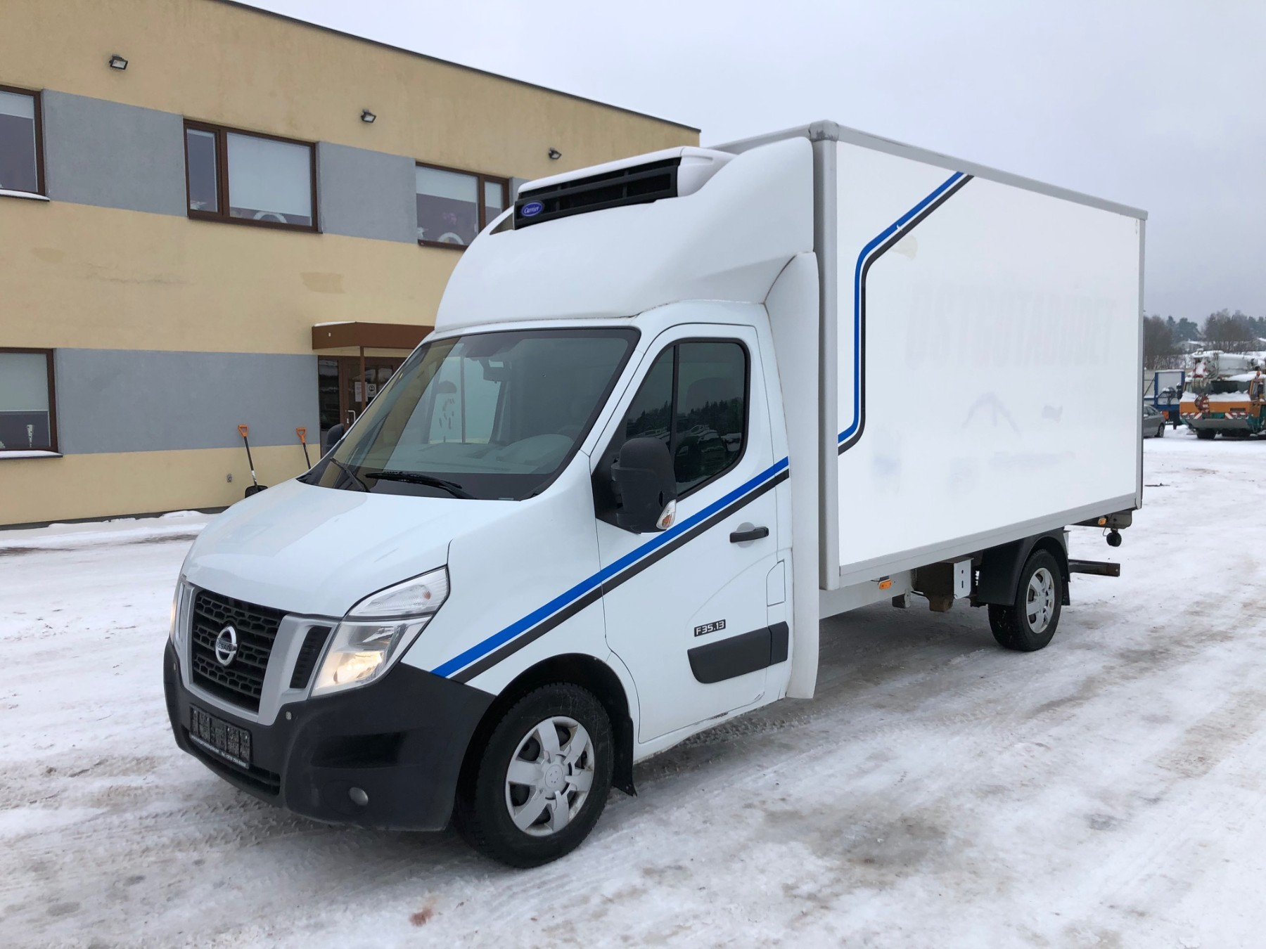 Nissan NV400+ Carrier
